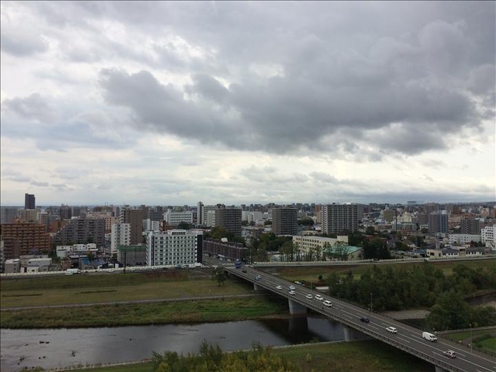 曇り空の札幌