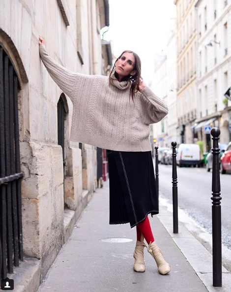 fall outfit ideas for women including knitted sweaters