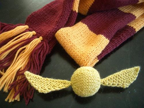 Golden-Snitch-Knitting-Pattern