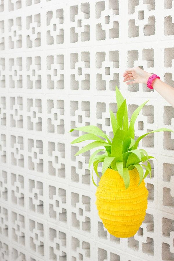 DIY-Pineapple-Pinata