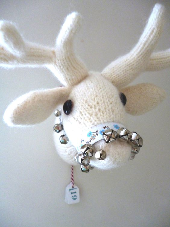 Deer-Trophy-Knitting-Pattern
