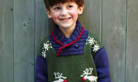 Reindeer-Jumper-Knitting-Pattern