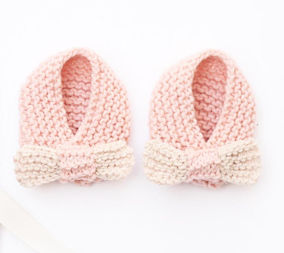 Baby Bow Slippers Knitting Pattern PDF Download | Handy Little Me