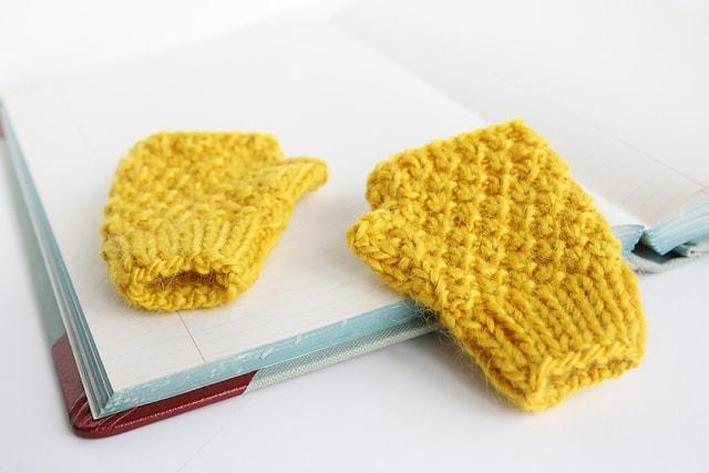 baby fingerless gloves