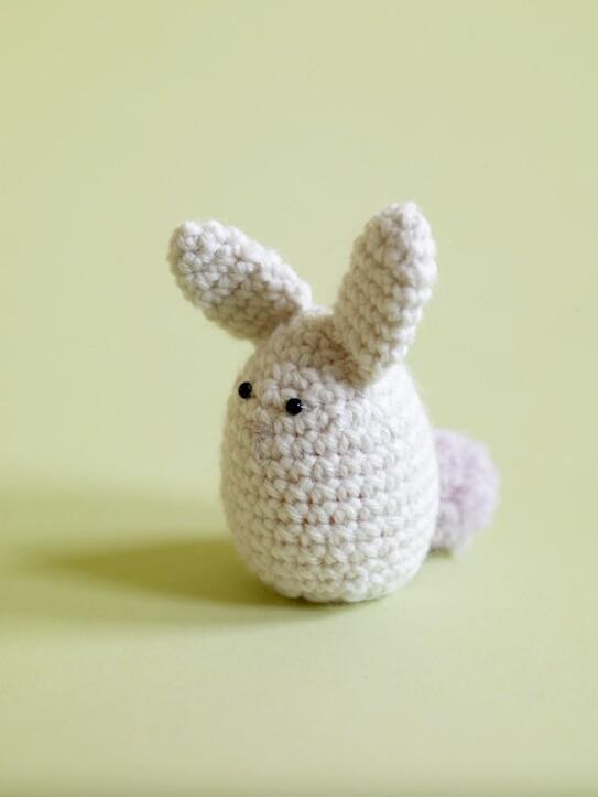 Crochet-Pattern-Amigurumi-Bunny-Egg-Cozy-80105AD-a