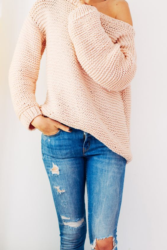 oversized sweater in pink yarn