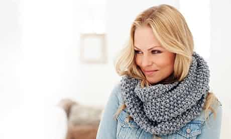 textured-knitted-snood