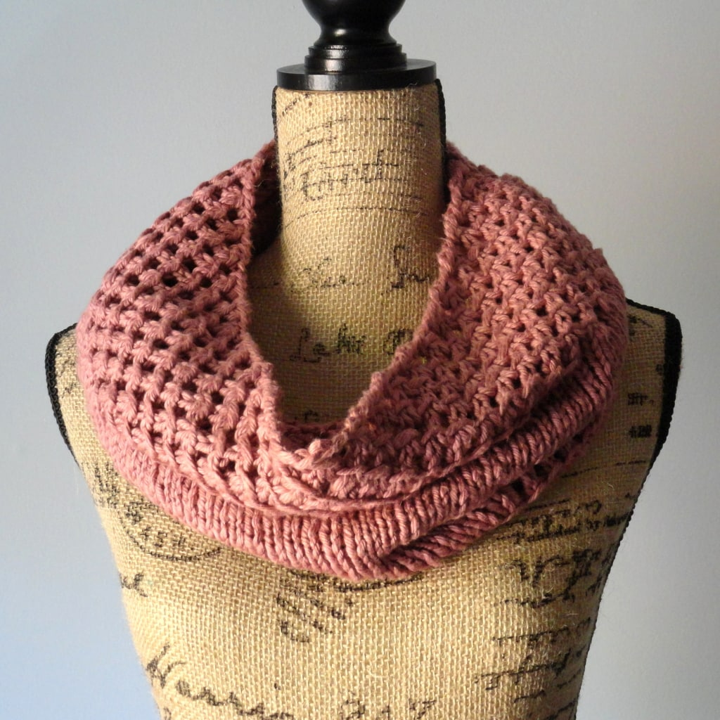Irish-Mesh-Knitted-Cowl