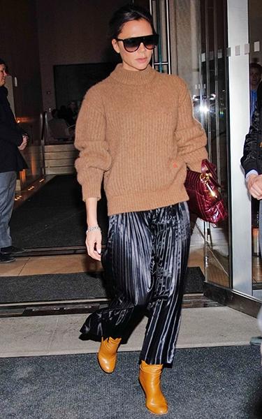 Vicotira Beckham wearing an oversized sweater
