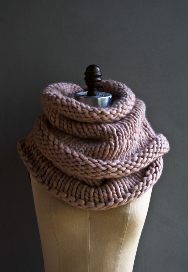 Super-Chunky-Knitted-Cowl