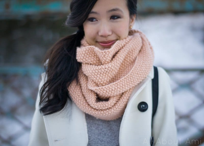 Seed-Stitch-Knitted-Cowl