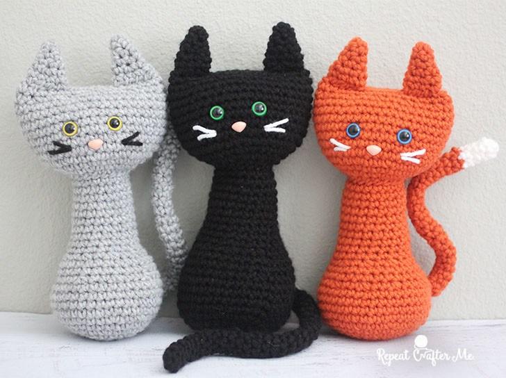Crochet-cats-standing