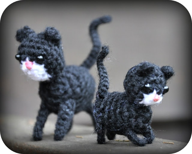 micro-crochet-kitties