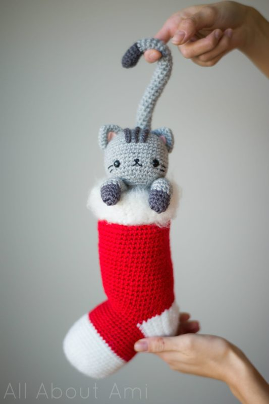 crochet Christmas cat