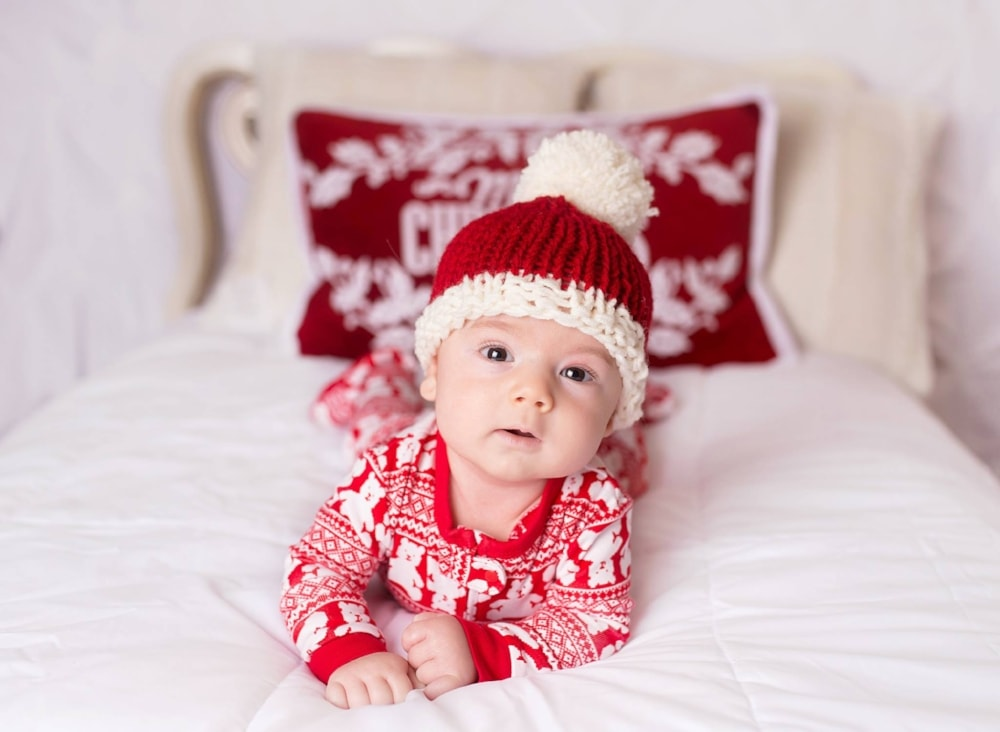 Christmas Knitting baby santa hat