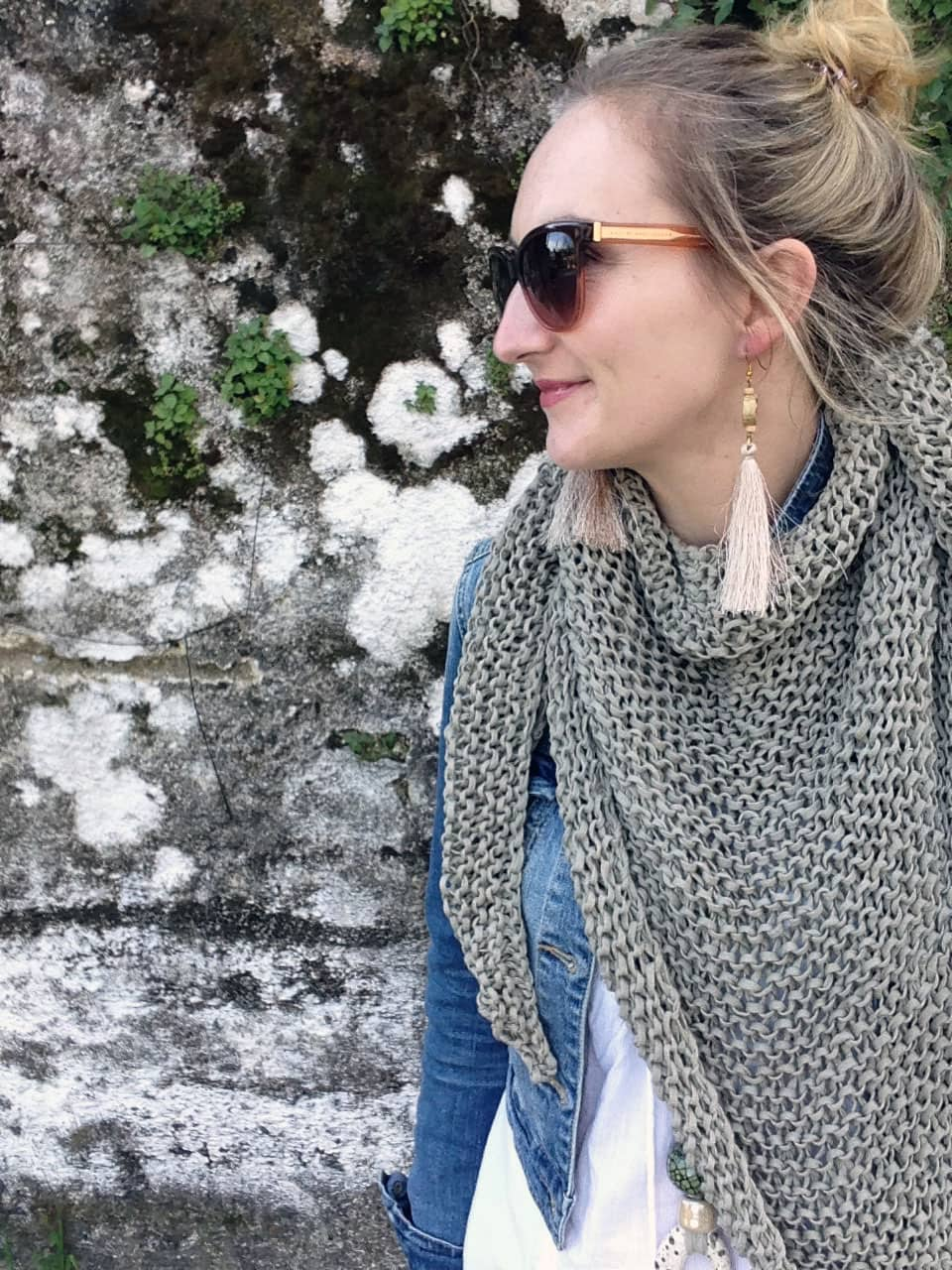 Beginner scarf knitting pattern