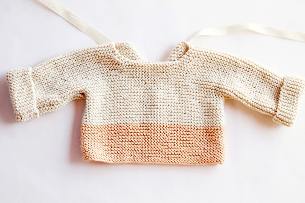 Simple baby sweater knitting pattern