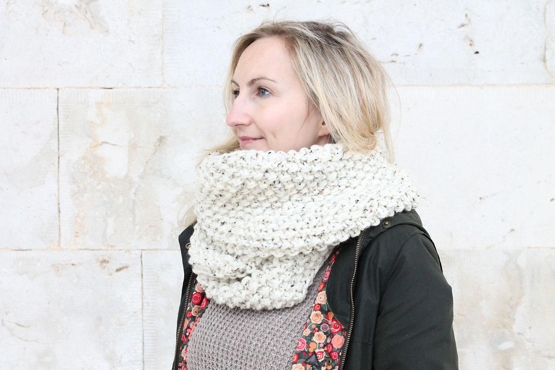 knit-infinity-scarf