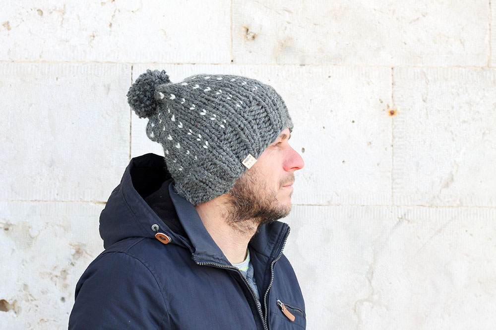 mens winter bobble hat free pattern
