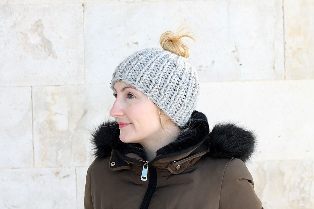 messy ponytail hat knitting pattern