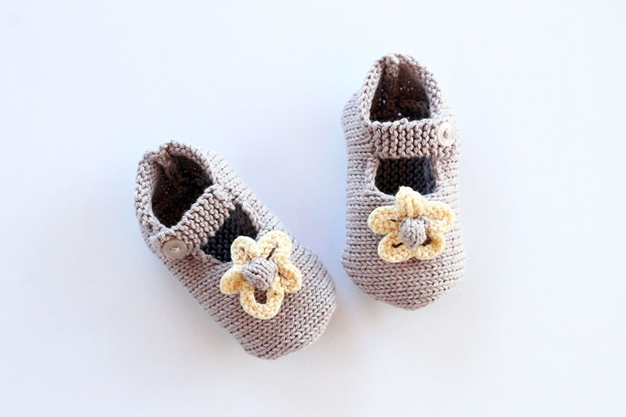Mary Jane style knitted shoes for baby girl