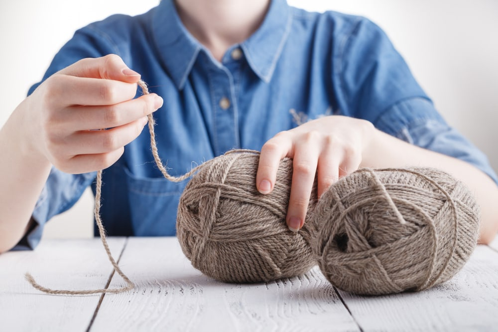 How-To-Knit-With-Two-Strands-Of-Yarn-Together