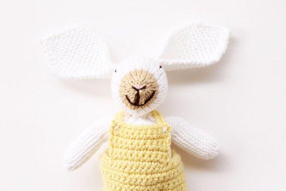 white knit bunny