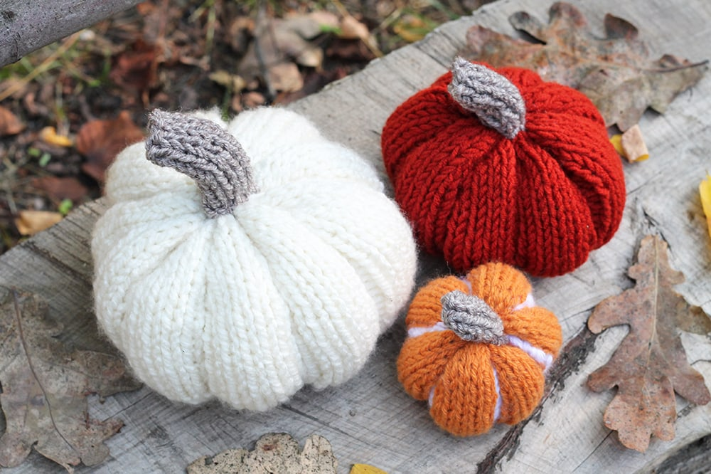 knit pumpkins autumn decoration