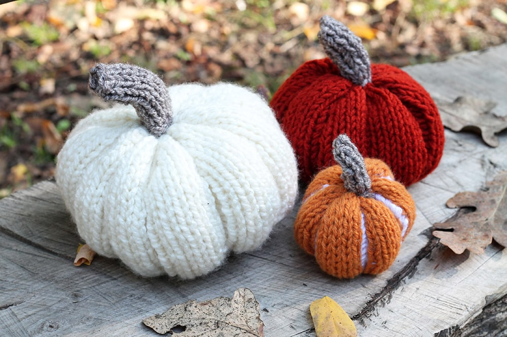 large-medium-and-small-knitted-pumpkins