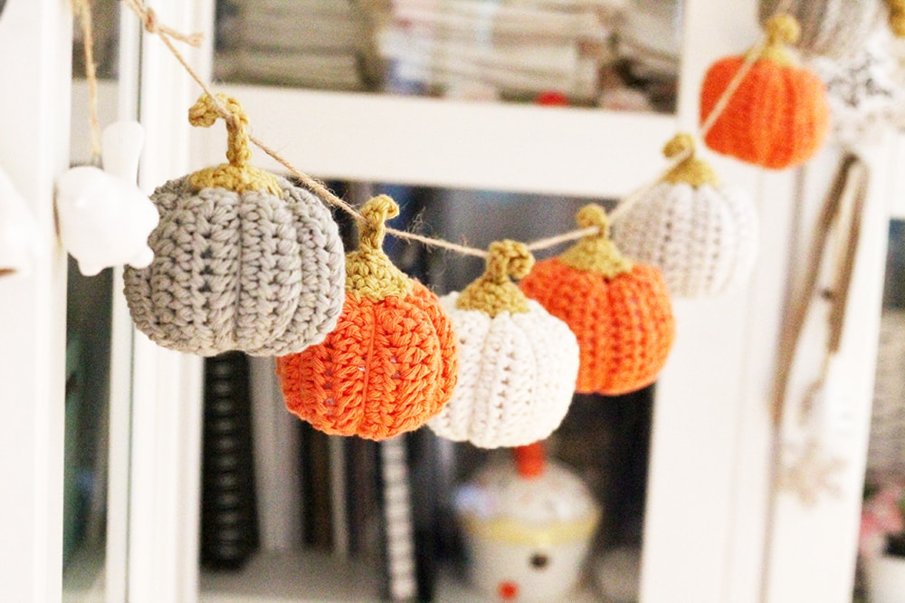mini crochet pumpkin garland