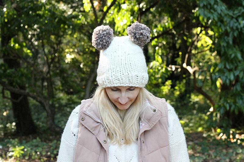 Double pom pom hat pattern