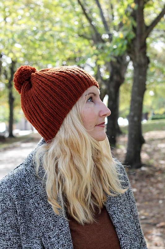 side view of ribbed beanie hat
