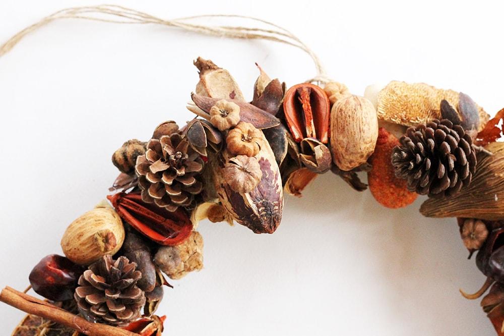 fall door wreath detail