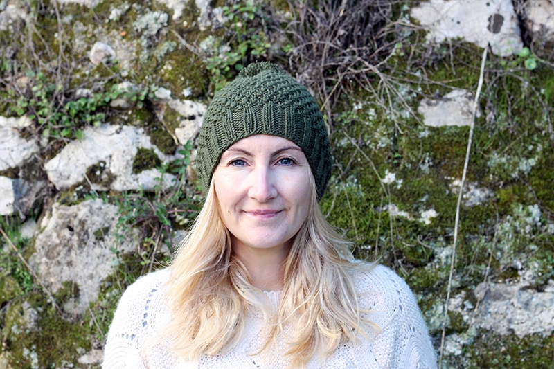 Irish moss stitch beanie with a ribbed brim