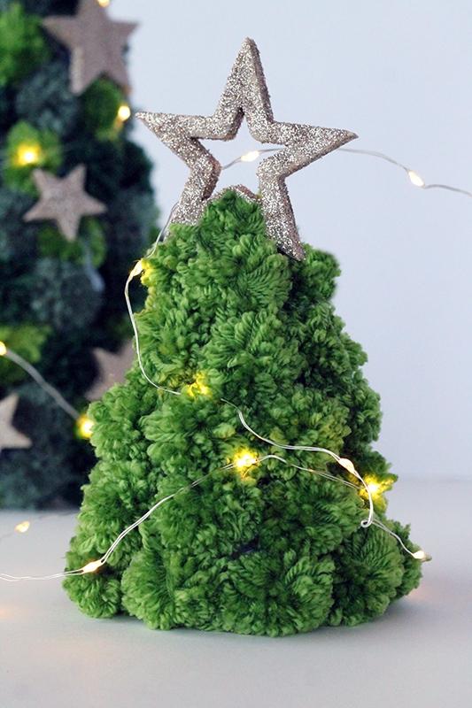 Mini pom pom Christmas tree with lights