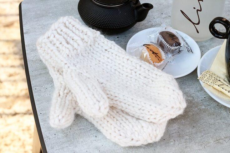 Easy Mittens Knitting Pattern