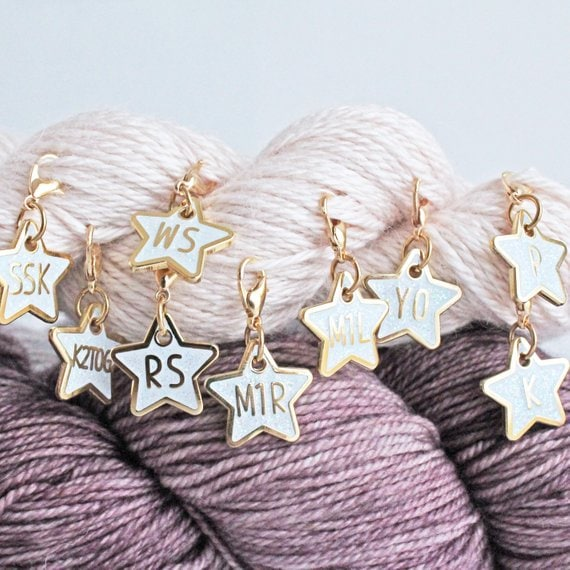 star shaped stitch markers with knitting abbreviations