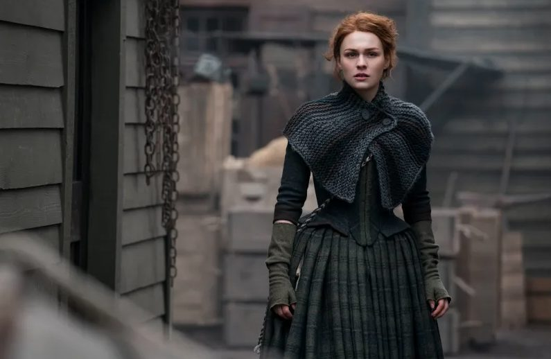 Briannas reunion capelet in Outlander season four