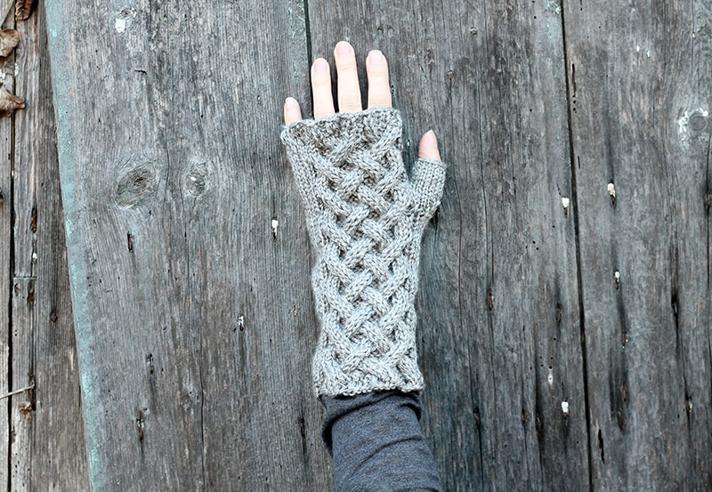 Celtic cable gloves pattern
