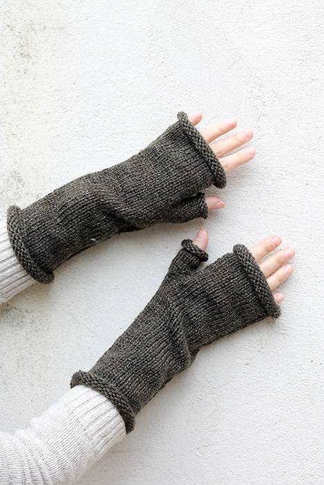 knitted fingerless gloves with thumb