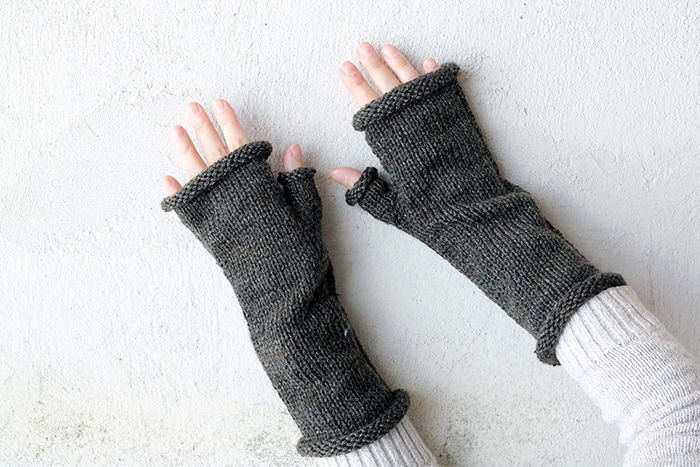 Outlander fingerless gloves with thumb gusset