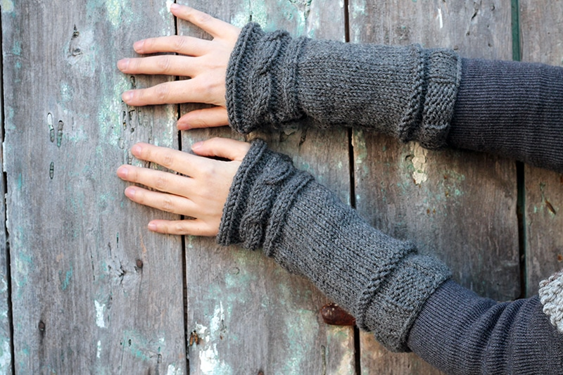 arm warmers with a knitted cable cuff