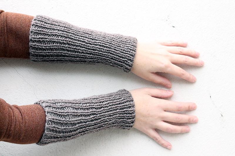 ribbed wrist warmers