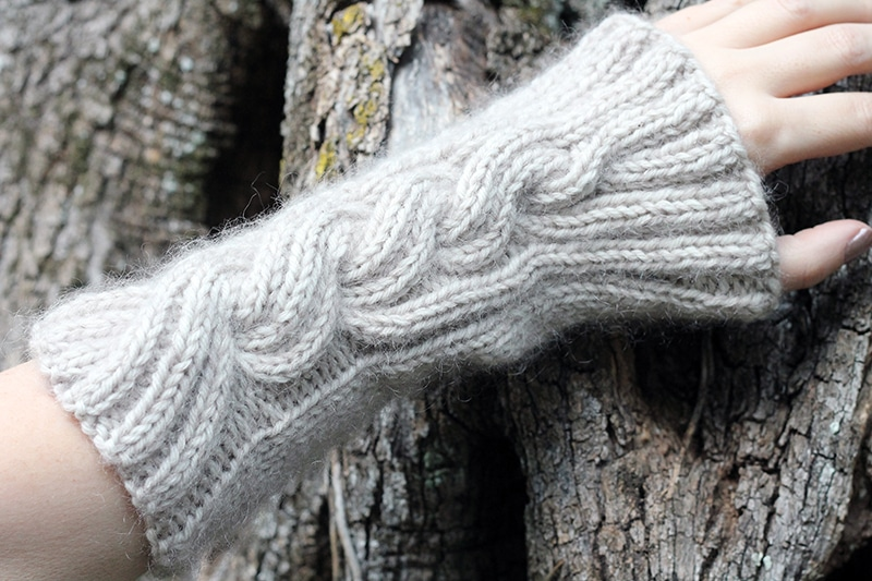 Mrs fitz arm warmers knitting pattern Outlander
