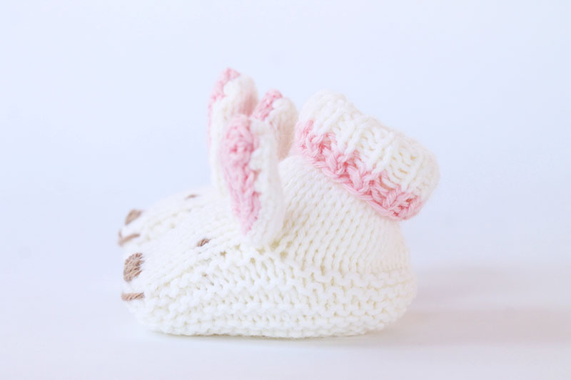white knitted bunny baby slippers