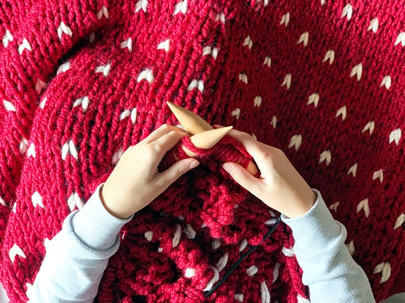 knitting a blanket on super sized knitting needles