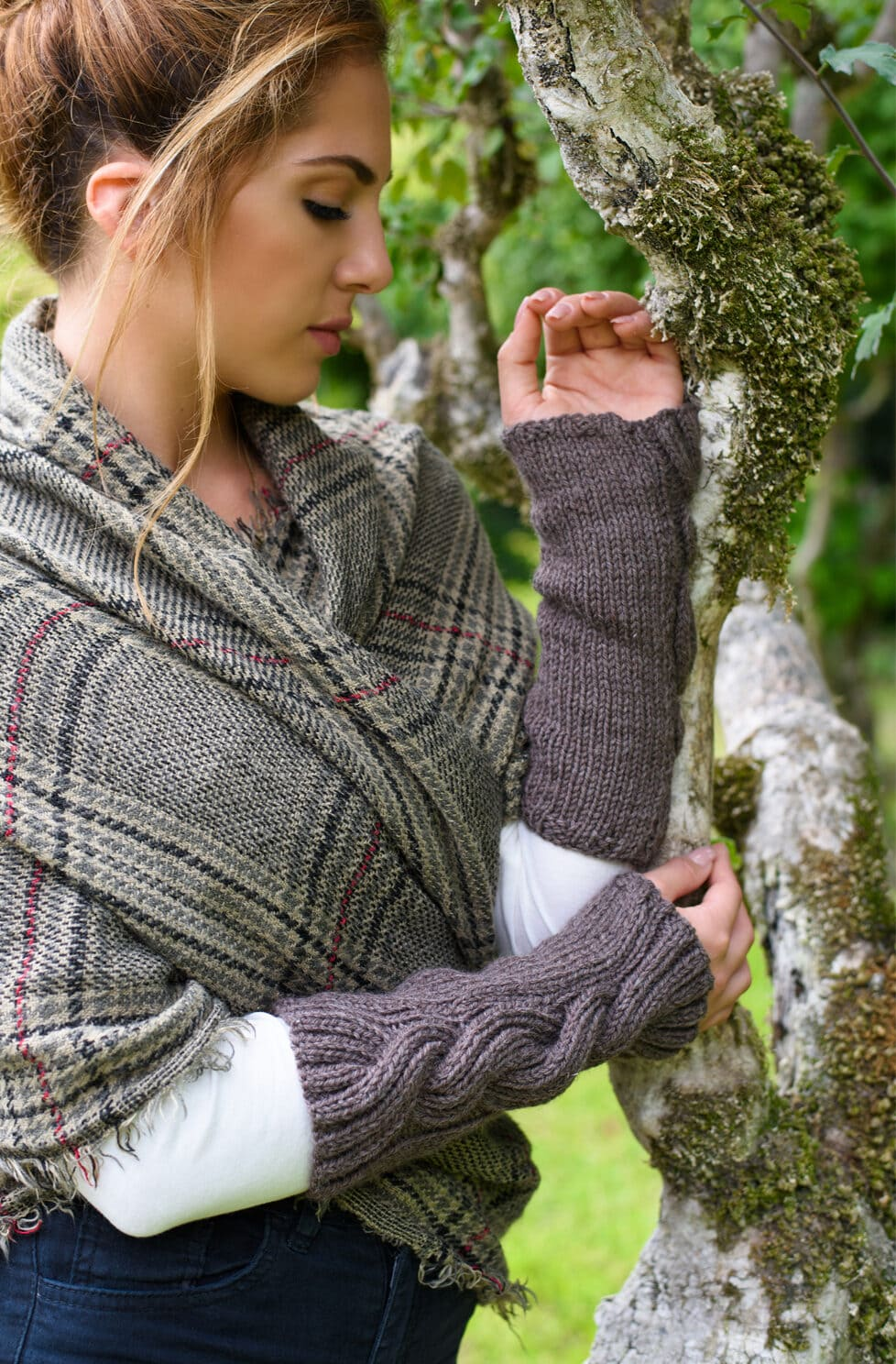 Outlander Claire's Cable Knit Wrist Warmers