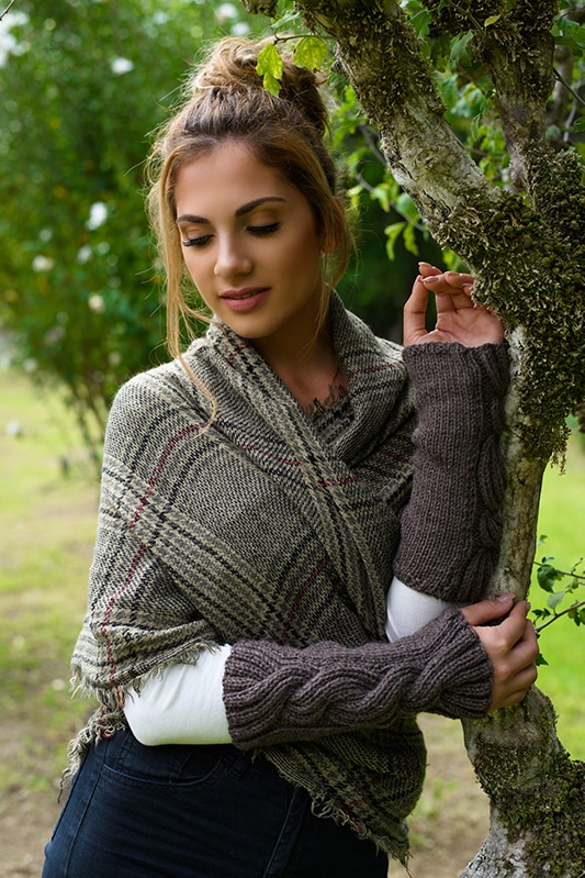 Outlander Claire cable knit arm warmers