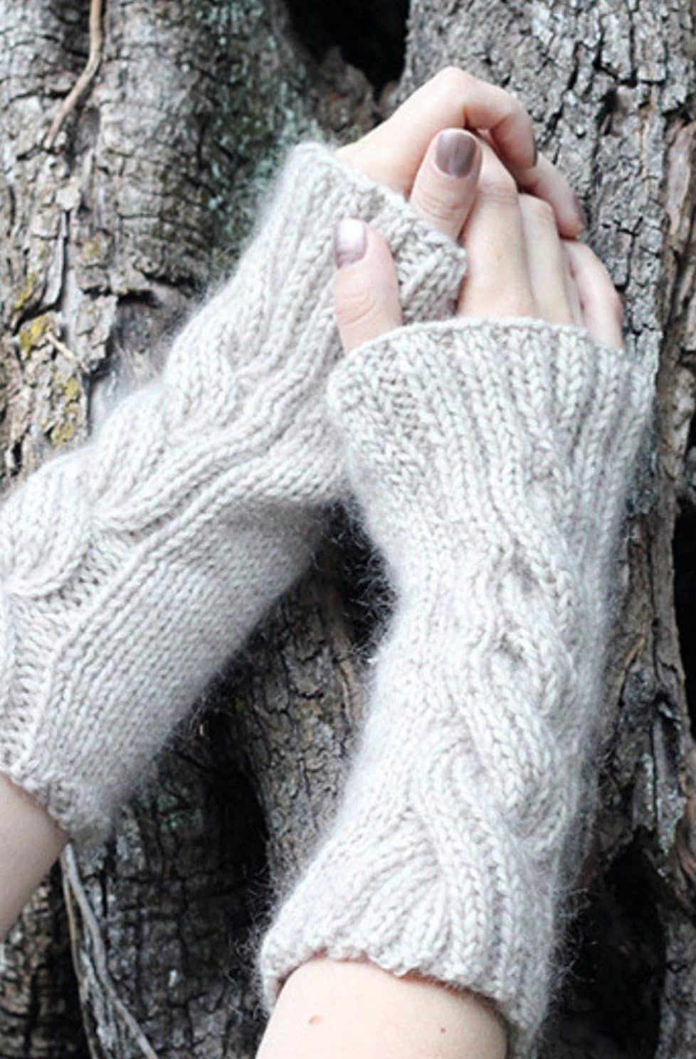Cable knitted arm warmers