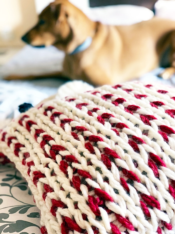 chunky knit pillow in jumbo yarn